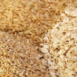 Types of oats: whole (top), steel cut (left) and rolled (right)